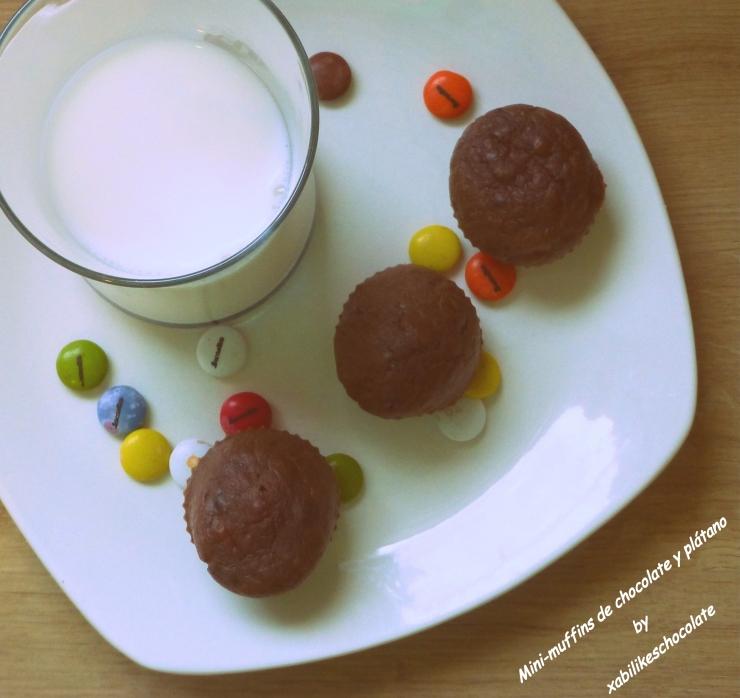 Magdalenas de chocolate y plátano, muffins de plátano, muffins de chocolate, magdalenas sin azúcar, receta plátano, blog de repostería, recetas sin azúcar, receta muffins de chocolate