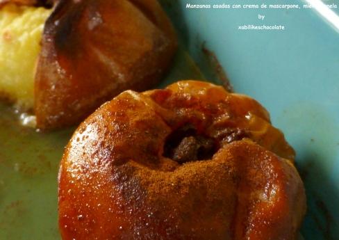 Manzanas asadas con miel y dátiles