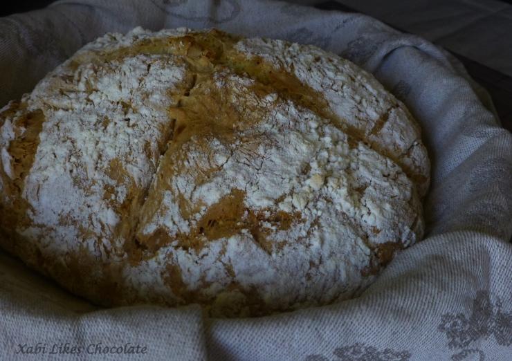 Pan de soda irlandes, pan fácil, pan tradicional irlandés, pan rápido, pan sin levadura