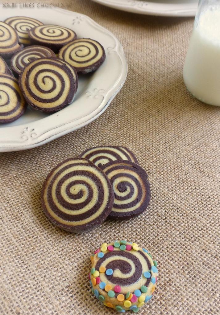 Galletas en forma de espiral, espirales de vainilla y chocolate, cookies en forma de espiral, cookies de vainilla y chocolate, receta espirales de vainilla y chocolate, como hacer espirales de galleta, blog de reposteria