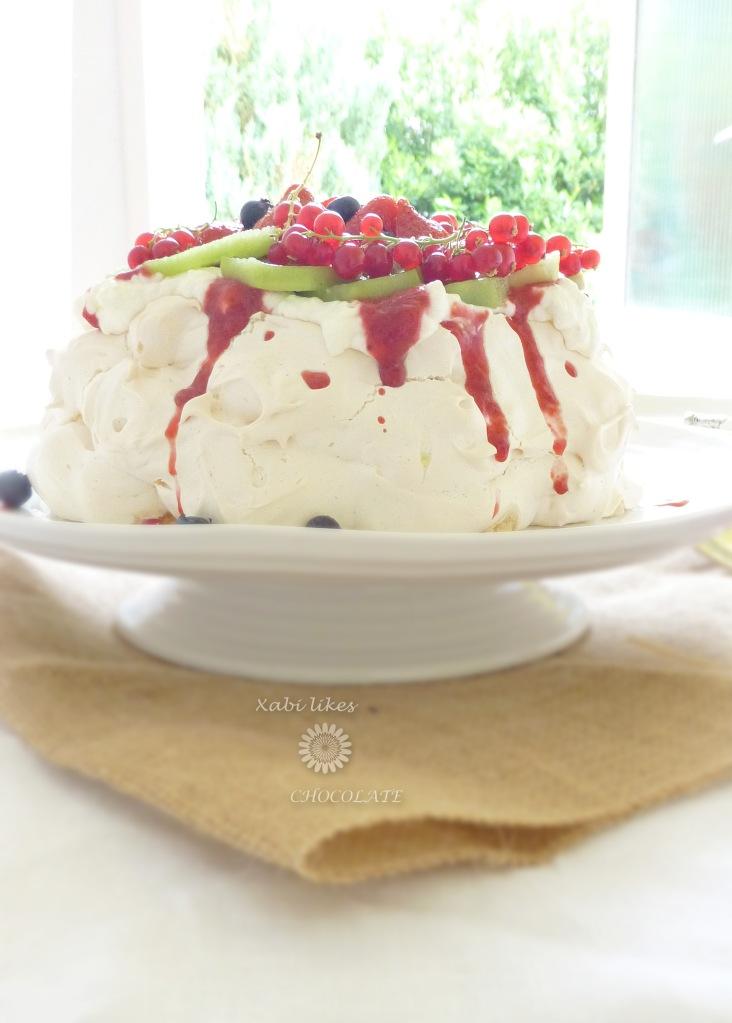 Pavlova, Pavlova de frutos rojos, merengue, receta con fresas, blog de repostería, receta pavlova, receta Nueva Zelanda