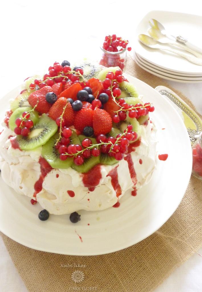 Pavlova de frutos rojos, pavlova, merengue, receta con fresas, blog de repostería, receta pavlova, receta Nueva Zelanda