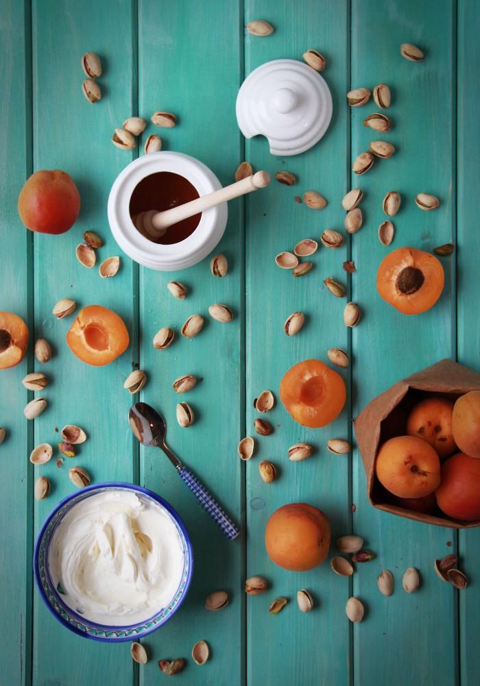 Albaricoques, queso crema, pistachos y miel, ideas sanas para picar, albaricoques rellenos, merienda saludable, recetas sanas, recetas, cocina, blog de cocina, estilismo culinario, albaricoques foto