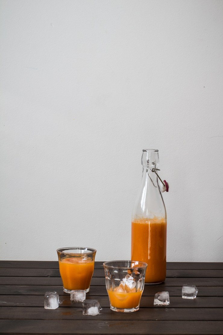 zumo de zanahoria naranja y cúrcuma, naranja, curcuma, zumo, zanahoria, juice, healthy, recipe, turmeric, receta sana, zumo naranja, receta, juice photography, food photography, food stylist, food styling, food photographer