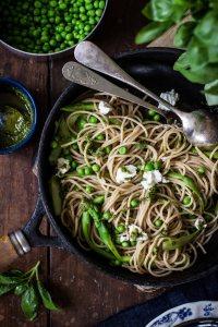 pasta con verduras, receta pasta con verduras, pasta integral con verduras, espaguetis con verduras, fotografia gastronómica